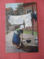 Dutch Lady Laundry   Ref 3838 - Europe