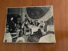"""PHOTO ORIGINALE PAQUEBOT  """" Ile De France """" - Invités à La Table Du Commandant  BLANCART  - (port Offert ) - Boten"""