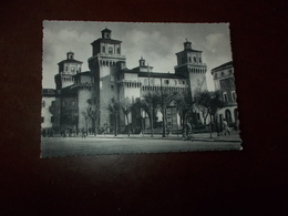 B756  Ferrara Castello Non Viaggiata - Ferrara