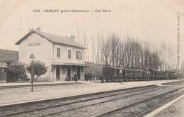 CPA:SURGY (58) TRAIN EN GARE...ÉCRITE - France
