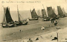 BELGIUM -  Heyst Sur-Mer - Sur La Plage Les Bateaux De Peche - Heist
