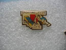 Pin's Du Sport De Lutte Du Sporting Club De Dijon - Wrestling