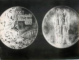 OLYMPIC GAMES MÜNCHEN JEUX OLYMPIQUES MUNICH 1972 LES MEDAILLES OFFICIELLES DEUTSCHLAND ALLEMAGNE SPORT - Sports