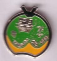 C71 Pin's JUDO DOJO DES JUMEAUX Ceinture Noire PUY DE DOME 63 Achat Immédiat - Judo