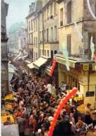 75 - PARIS 5 ème - La Rue MOUFFETARD ( Rue Commerçante Très Animée ) CPSM CPM GF - Seine - Arrondissement: 05