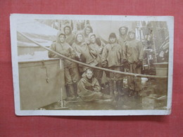 RPPC  To Id   Men On A Ship    Ref 3839 - Postcards