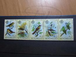 VEND BEAUX TIMBRES DES SEYCHELLES N° 409 - 413 , XX !!! - Seychelles (1976-...)