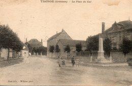 Tagnon -   La  Place  Du  Gué. - Autres Communes