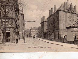Sedan -   La  Rue  Thiers. - Sedan