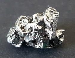 - MÉTÉORITE - CAMPO DEL CIELO - TOP QUALITÉ - 19.60 G (09) - Meteoritos