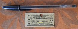 Ticket De Métro Avec Pub MP (montre) 8 Place Madeleine  - Tarif L - S101 N - Après 1946 - Composté - Europa