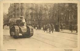 WIESBADEN - Taunusstrasse, Char Renault - Equipment