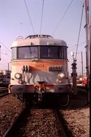 Photo Diapo Diapositive Slide Train Wagon Loco Locomotive Electrique SNCF 9604 De Face En Avignon Le 15/01/1992 VOIRZOOM - Diapositives