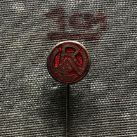 Badge Pin ZN008854 - Football (Soccer Calcio) Germany RWE Rot-Weiss Essen - Fútbol