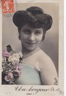 Carte 1910 Femme UN BONJOUR DE MAYET (carte Partie De Mayet Et Arrivée à Dissay Sous Courcillon) - Mayet