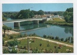 - CPM GUITRES (33) - Les Jardins 1986 - Le Pont Sur L'Isle Et Les Hôtels - Editions CIM - - France