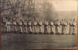 CPA, Besançon (25, Doubs), 60 ème Régiment D'Infanterie, (armes à La Main), écrite, Guerre, Militaires, Soldats.... - Regiments