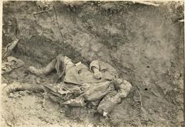 PHOTO FRANÇAISE -  CADAVRES ALLEMANDS A PLESSIS DE ROYE PRES DE LASSIGNY - NOYON - OISE - GUERRE 1914 1918 - 1914-18