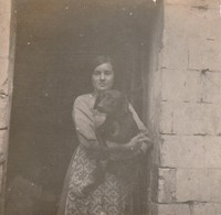Photo 1917 PARPEVILLE (près Ribemont) - Rosa Et Le Chien Pussi (A218, Ww1, Wk 1) - Other Municipalities