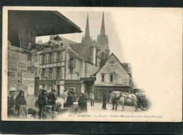 CPA - Karten Bost - QUIMPER - Le Marché - Rue Saint-François, Animé  (dos Non Divisé) - Quimper