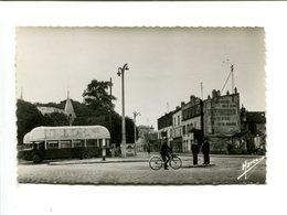 BONDY (93) - Carrefour De Rosny [Autobus + Publicité Murale] - Bondy