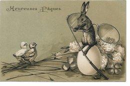 L170A234 - Heureuses Pâques - Lapin, Poussins Et Monocle Sur Carte Gauffrée  - Carte Précurseur - Pascua