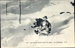 Cp Les Sports D'hiver Dans Les Alpes, En Bobsleigh, Wintersport In Den Alpen, Rodler, Bobschlitten - Cartoline