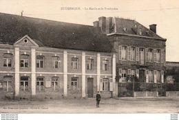 D62  ZUTKERQUE  La Mairie Et Le Presbytère - France