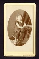 Little Girl Standing On Sofa, Portrait - W.J. Hawker Bournemouth Hants - Carte De Visite CdV - Anciennes (Av. 1900)