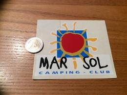 Autocollant, Sticker « CAMPING CLUB - MARiSOL» (TOREILLES 66) - Autocollants