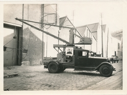 Snapshot Ancienne Voiture Avec Air Comprimé Vide Ventilation Automobile Car - Automobile