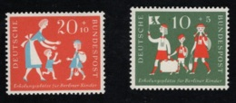 1957  1. Feb. Kinder Mi DE 250 - 51 Sn DE B354 - 55 Yt DE 129 - 30 Sg DE 1176 - 77 Postfr. Xx - [7] République Fédérale