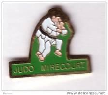 A106 Pin's JUDO MIRECOURT VOSGES Achat Immédiat Immédiat - Judo