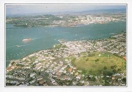 Nouvelle Zélande Auckland Vue Aérienne De La Ville (2 Scans) - Nouvelle-Zélande