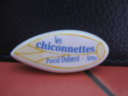 Fève Les Chiconnettes  Série Publicitaire Faïences Desvres Duforet 2002 ¤ Fèves ¤ Rare Ancienne - Olds