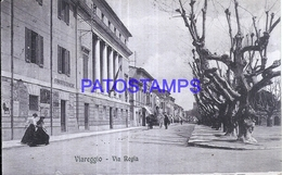 128559 ITALY VIAREGGIO LUCCA VIA REGIA CIRCULATED TO LUCCA POSTAL POSTCARD - Italië