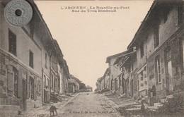 51 - Carte Postale Ancienne De L'ARGONNE  LA NEUVILLE AU PONT  Rue Du Trou Rimbault - Altri Comuni