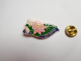Superbe Pin's , Ville De Giverny , Fleur , Nymphéa , Peintre Claude Monet , Eure - Cities