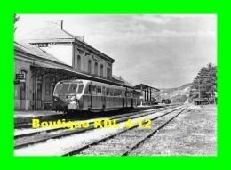 AL 474 - Autorail Somua En Gare - DIGNE LES BAINS - Alpes De Haute Provence - SNCF - Stations With Trains