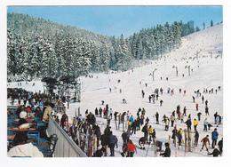 88 La Bresse Hohneck N°8346 Station Vologne Chitelet Vers Gérardmer En 1970 Skieurs PUB Kronenbourg Sur Chaises - Gerardmer