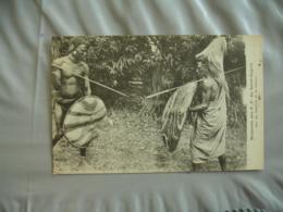 Sur Sentier Guerre  Afrique  Mission P P Saint Esprit - Cartes Postales