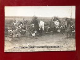 Luxembourg Dudelange Tombeaux Millitaires 1914 - Dudelange