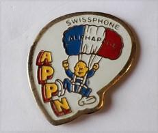 E35 Pin's Parachutisme Parachute Parapente APPN Alphapage FRANCE TELECOM SWISSPHONE Achat Immediat - Telecom De Francia