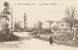CARTE POSTALE ORIGINALE ANCIENNE : LE VALDAHON LES ECOLES ET L'EGLISE ANIMEE  DOUBS (25) - France