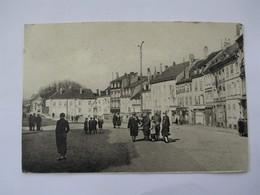 SARREBOURG_Pace Du Marché (vue Peu Courante Bien Animée)_voyagée En 1949 - Sarrebourg
