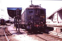 Photo Diapo Diapositive Slide Train Wagon Locomotive Electrique SNCF BB 311 à Paris Lyon PTT En 09/1991 VOIR ZOOM - Dias