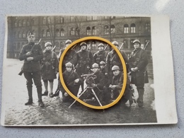 Photo Carte Ecole Militaire A Bruxelles Groupe Mitrailleuse Nom Inscrit A L'arrière - Ohne Zuordnung
