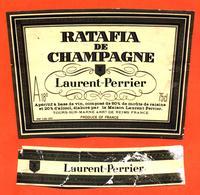 étiquette + Collerette De Ratafia De Champagne Laurent Perrier à Tours Sur Marne - 75 Cl - Champagne