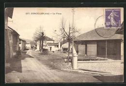 CPA Corcelles, La Place, Vue Partielle Avec Habitations - Frankreich