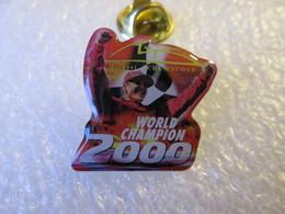 PIN'S   MICHAEL  SCHUMACHER  WORLD  CHAMPION 2000 - F1